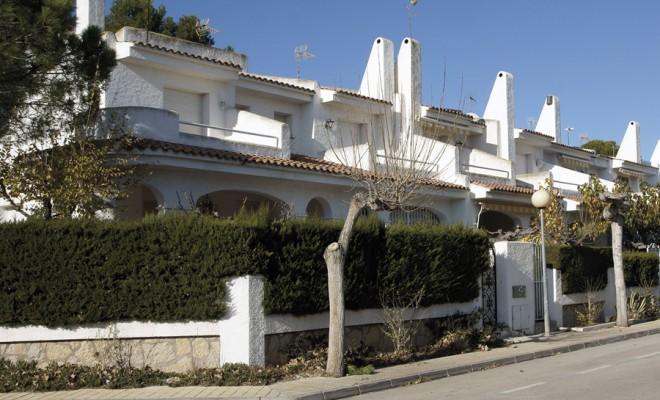 RESIDENCIAL PINO ALTO Proyecto de construcción Promoción de 500 viviendas unifamiliares y plurifamiliares Localización: Mont-roig del Camp – Tarragona