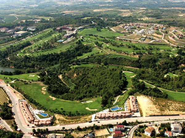Residential Estate Golf Masia Bach