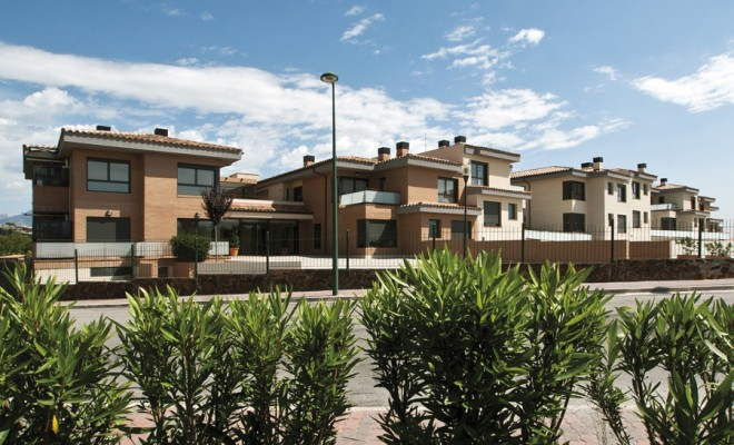 These large, well designed homes have been created to make the most of the light as well as the energy and to offer the best views of the environment. They are equipped with the most modern technology and constructed using very high quality materials. Each 22-home community shares a spectacular [...]