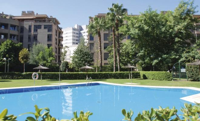 RESIDENCIAL GRAN ADEMUZ Construcción de 840 viviendas en altura Superficie ámbito: 56.000 m2 Localización: avenida de las Cortes Valencianas – Valencia